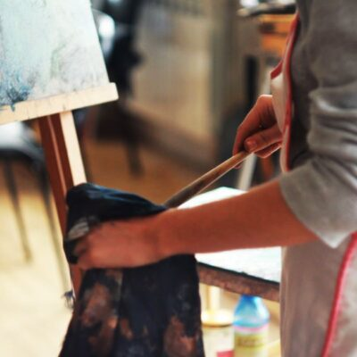 How to clean an oil painting on canvas